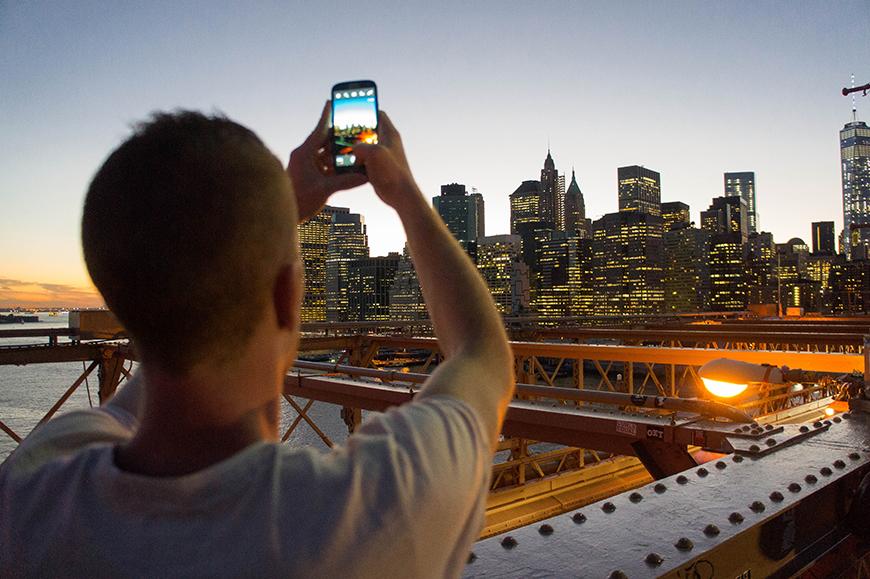Frère de Cédric sur le Brooklyn Bridge
