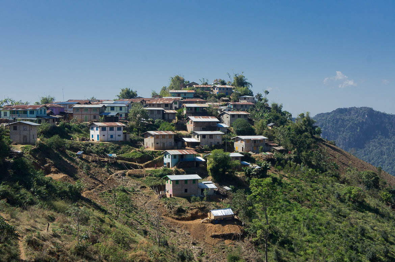 Premier village birman que nous traversons : Hin Kha Kone