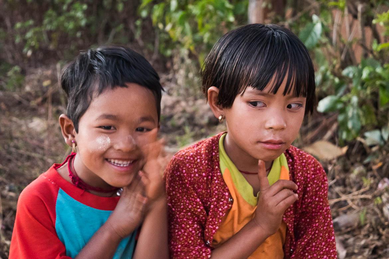 Petites birmanes rencontrées à Pattu Pauk