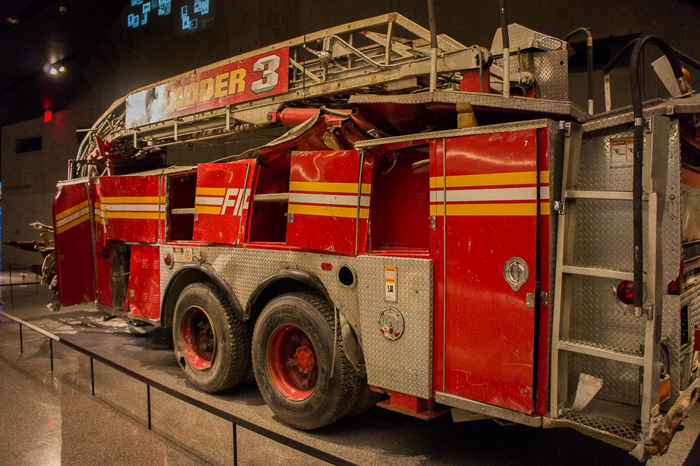 Camion de pompier déformé