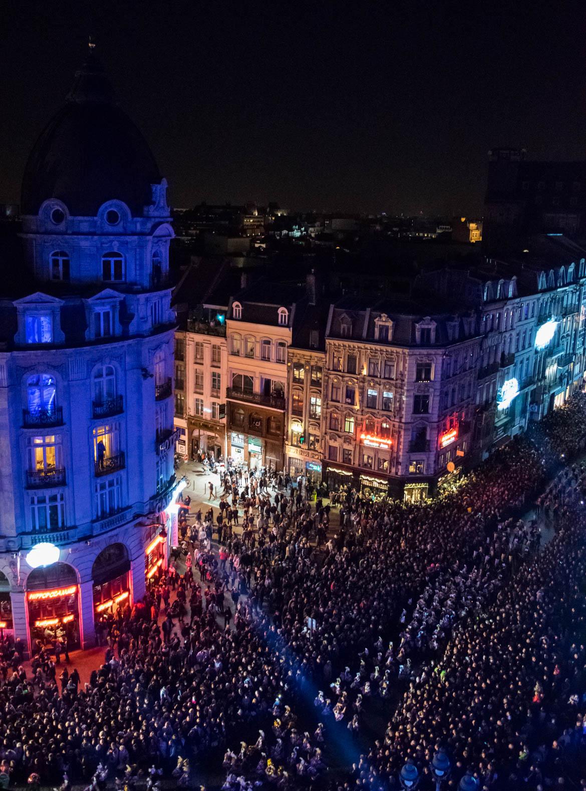 Vue sur la parade depuis le toit de l'Opéra
