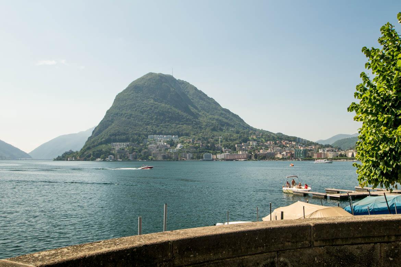 Depuis le parc Ciani, vue sur le Monte Salvatore - Lugano