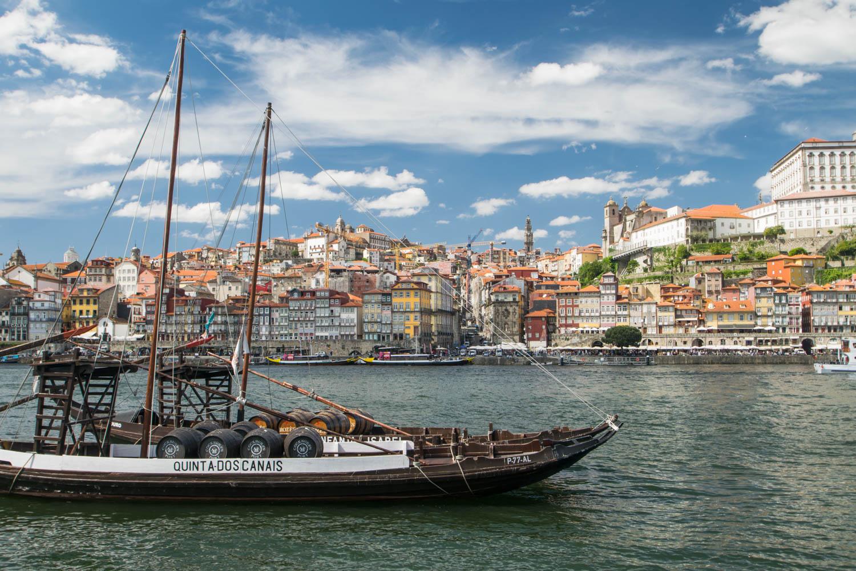 Cais Ribeira, Porto