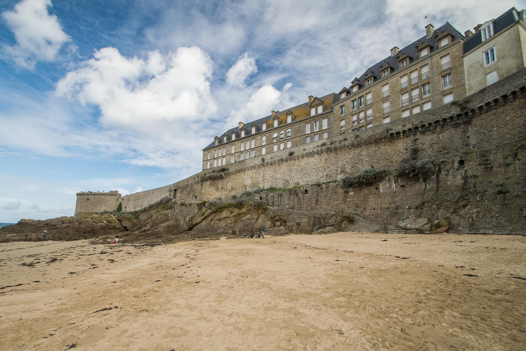 Vue sur les remparts de Saint-Malo