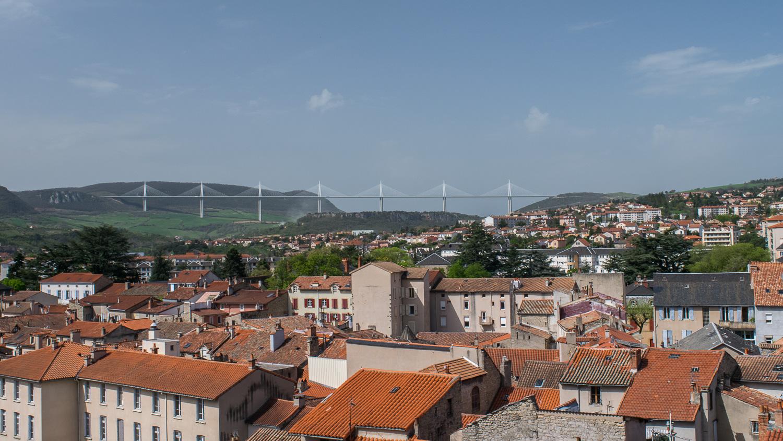 Vue sur le viaduc de Millau depuis son Beffroi