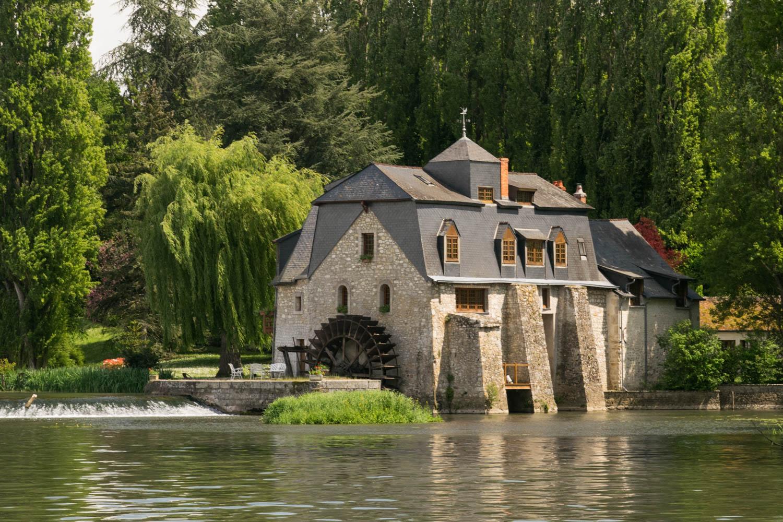 Tourisme fluvial sur la Sarthe : Découvrir le moulin d'Ignières dont l'un des propriétaires n'était autre que Marcel Pagnol