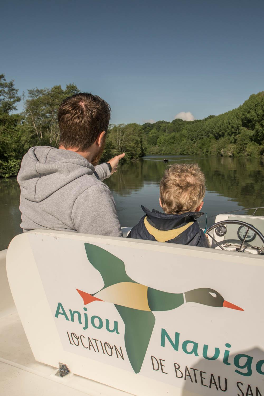 Tourisme fluvial sur la Sarthe : Profiter d'un rythme posé pour partager des moments en famille