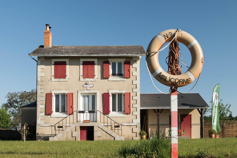 Tourisme fluvial sur la Sarthe : les écluses sont nombreuses à passer sur la Sarthe. Toujours un plaisir d'aller jouer les éclusiers
